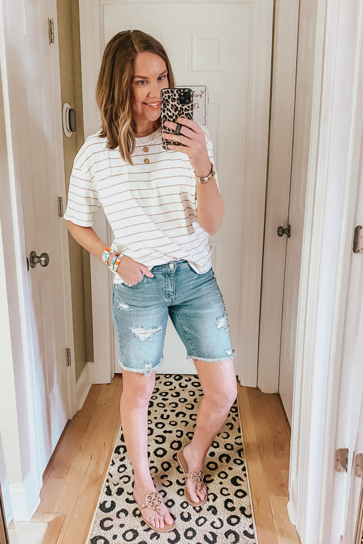 denim-bermuda-shorts-casual-outfit-Walmart-fashion