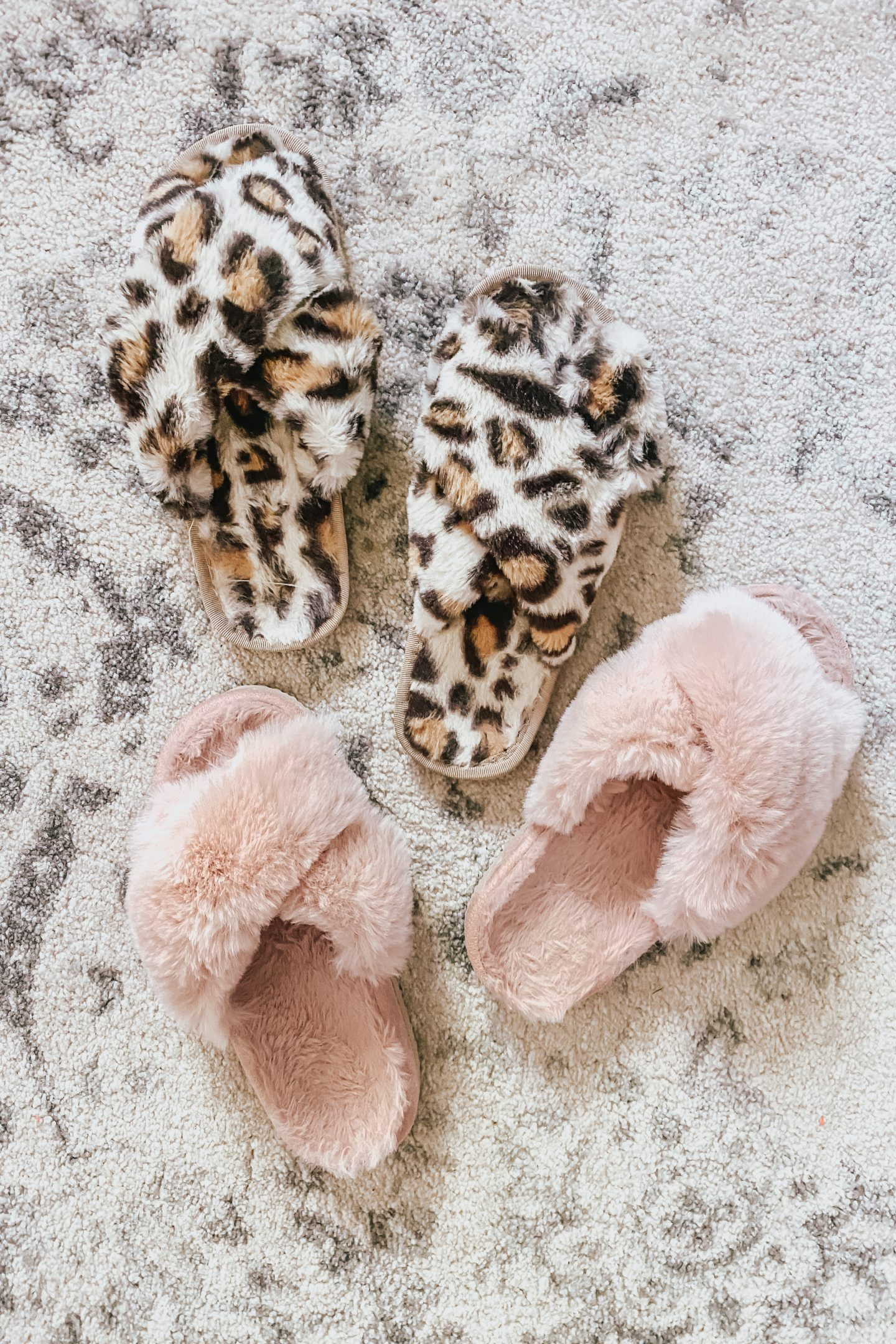 the best Amazon slippers, faux fur slippers, the best slippers for spring time, slippers with arch support