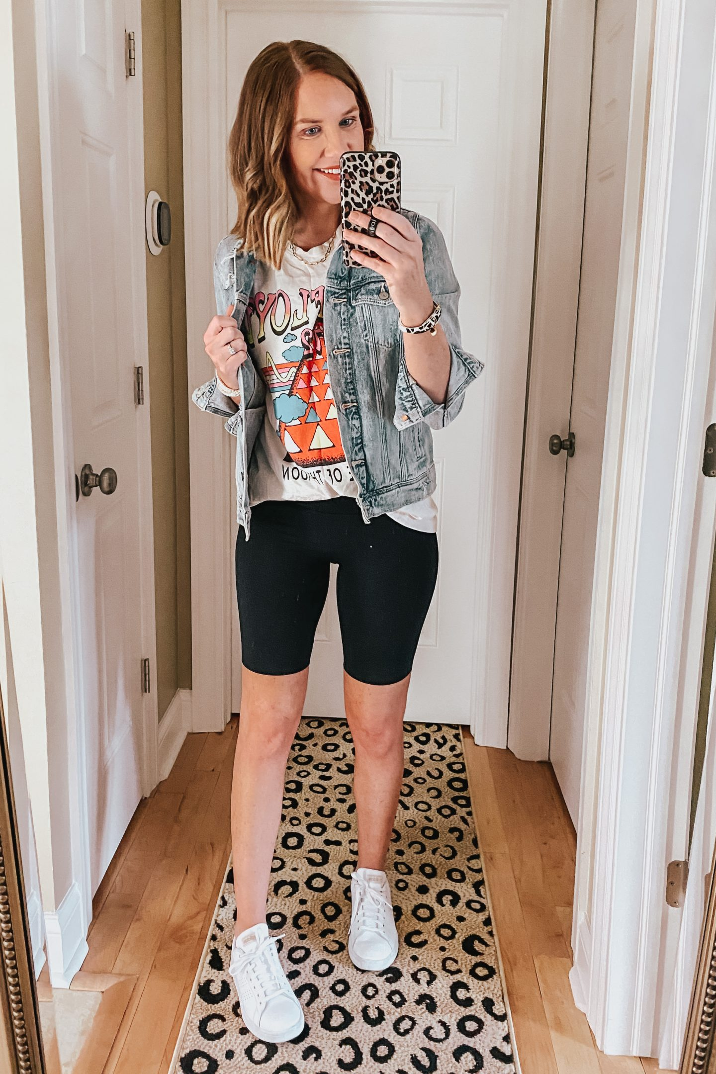 ways-to-style-bike-shorts-graphic-tee-jean-jacket