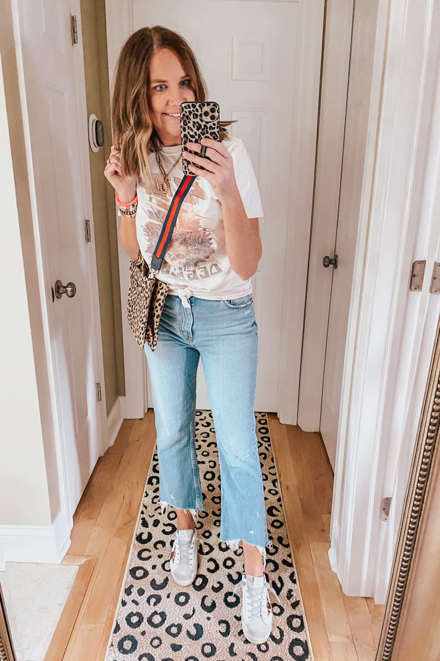 what to wear to a blog conference, graphic tee, crop flare jeans