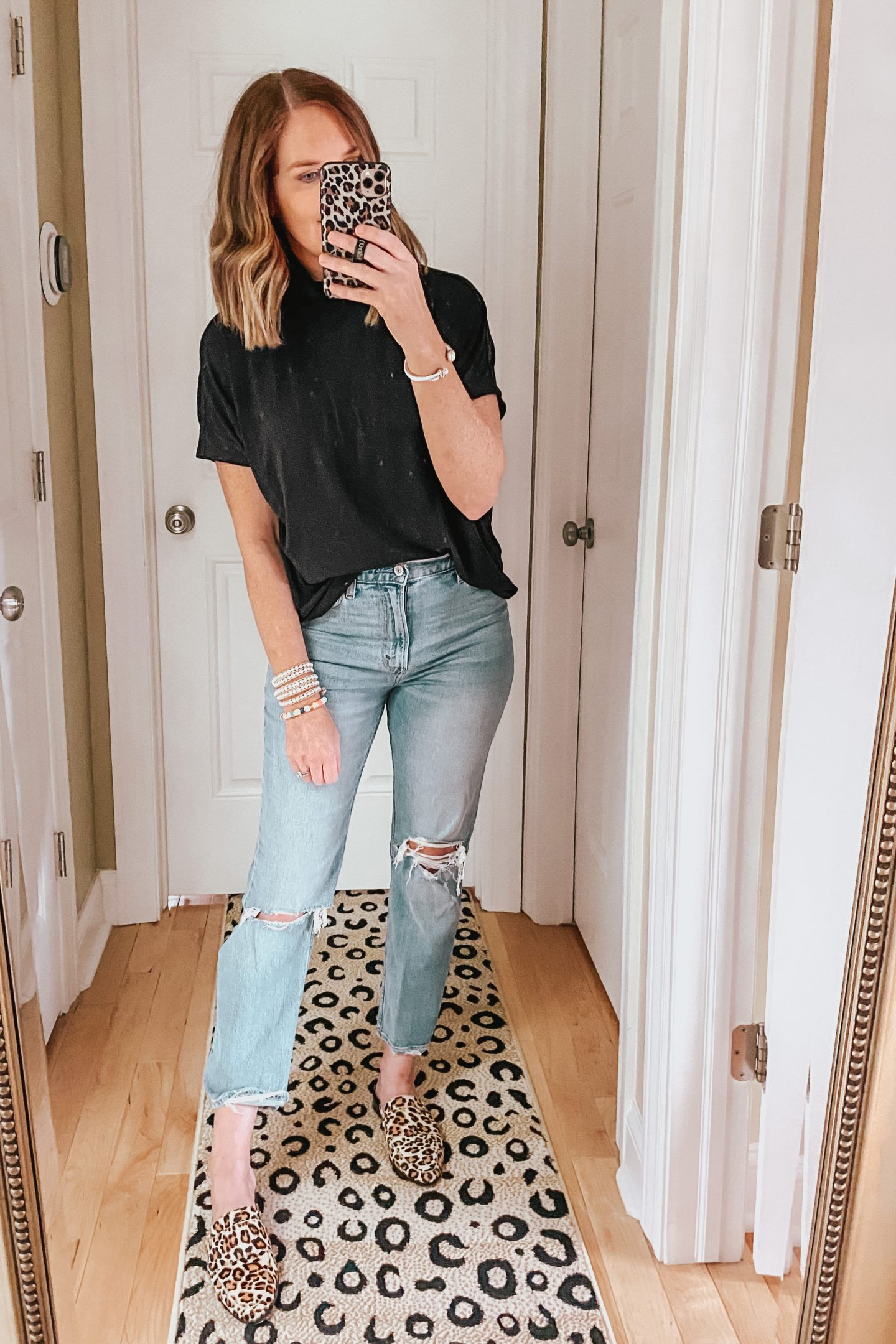 elevated casual outfit, fall fashion trends, mock neck tee