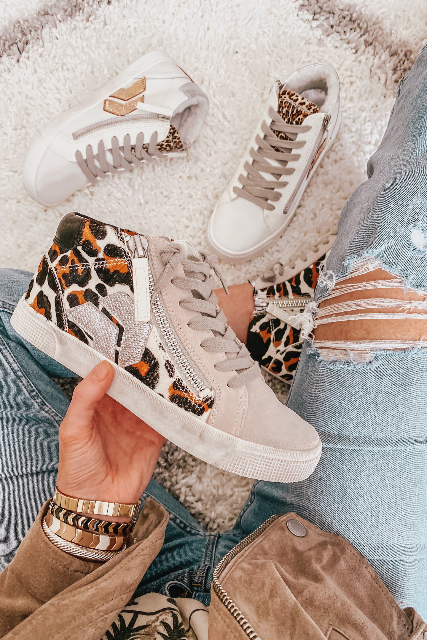High top sneakers, leopard sneakers, Fall Outfits