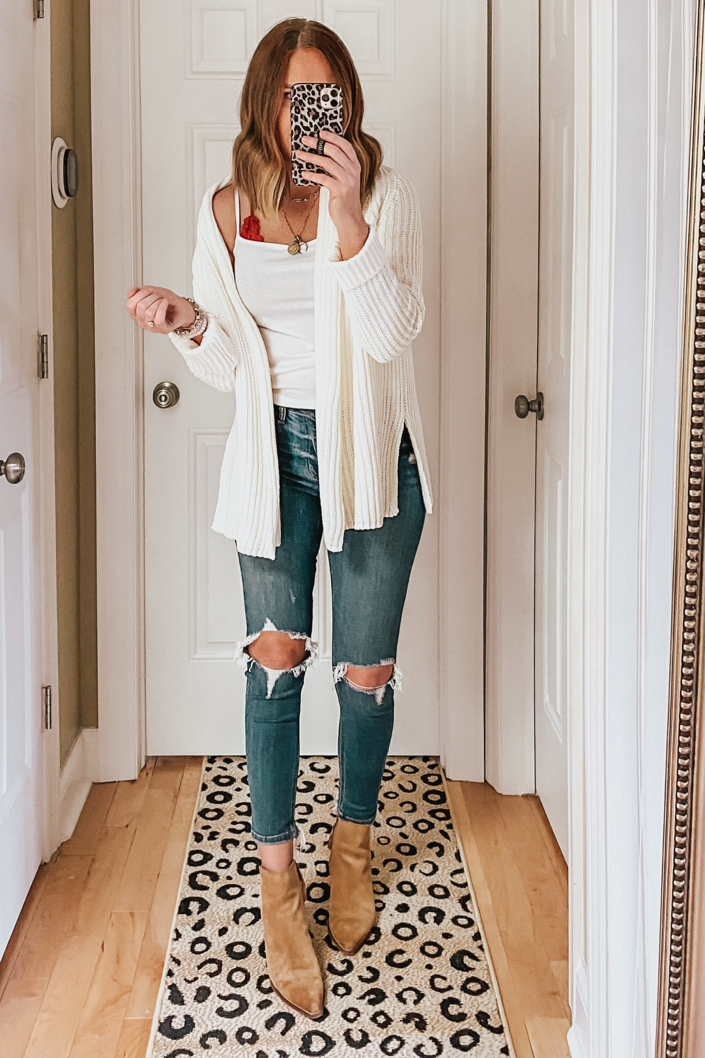 chunky-cream-sweater-cardigan-fall-outfits