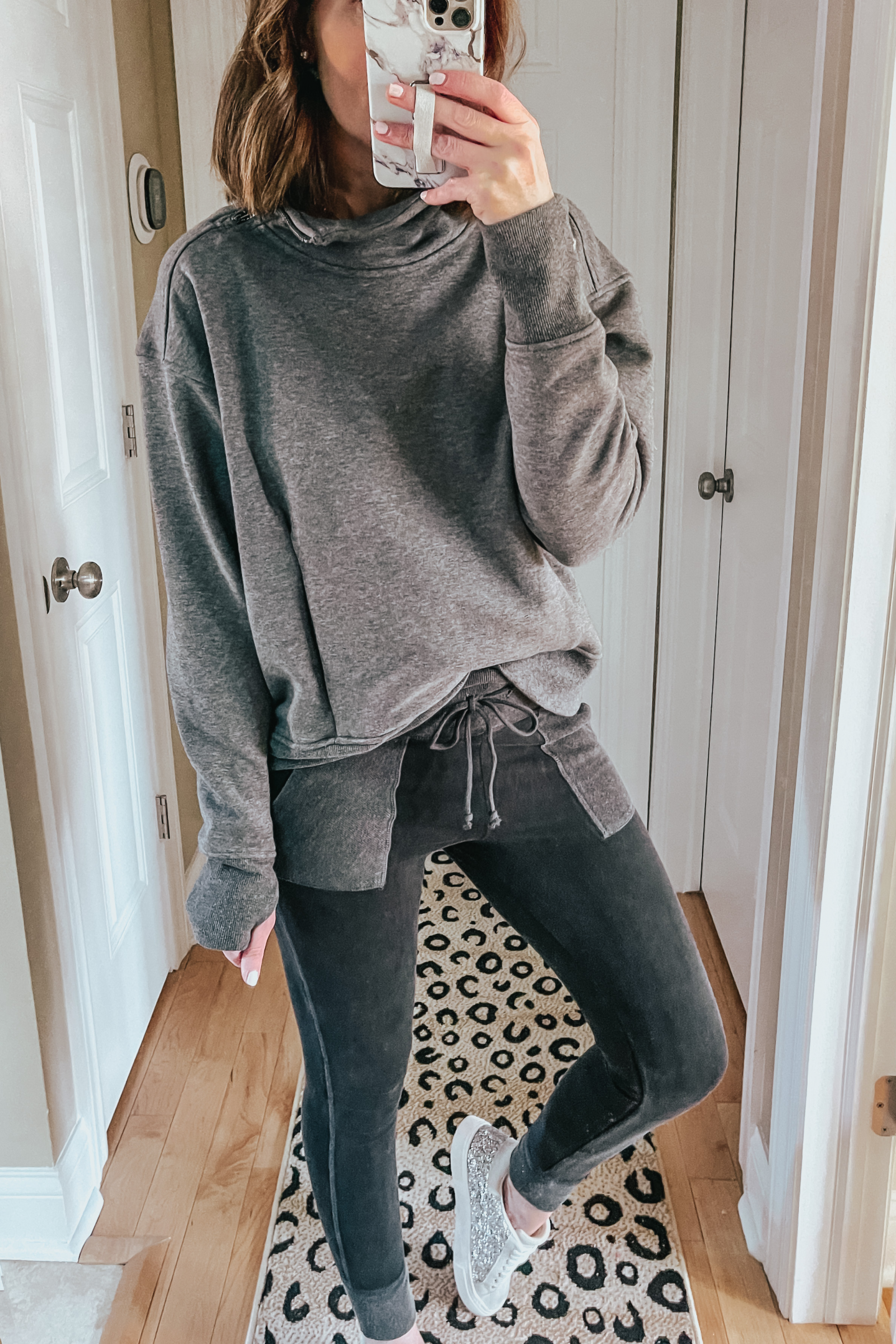 Target Outfits You Need This Winter, cute athleisure outfit, leggings joggers