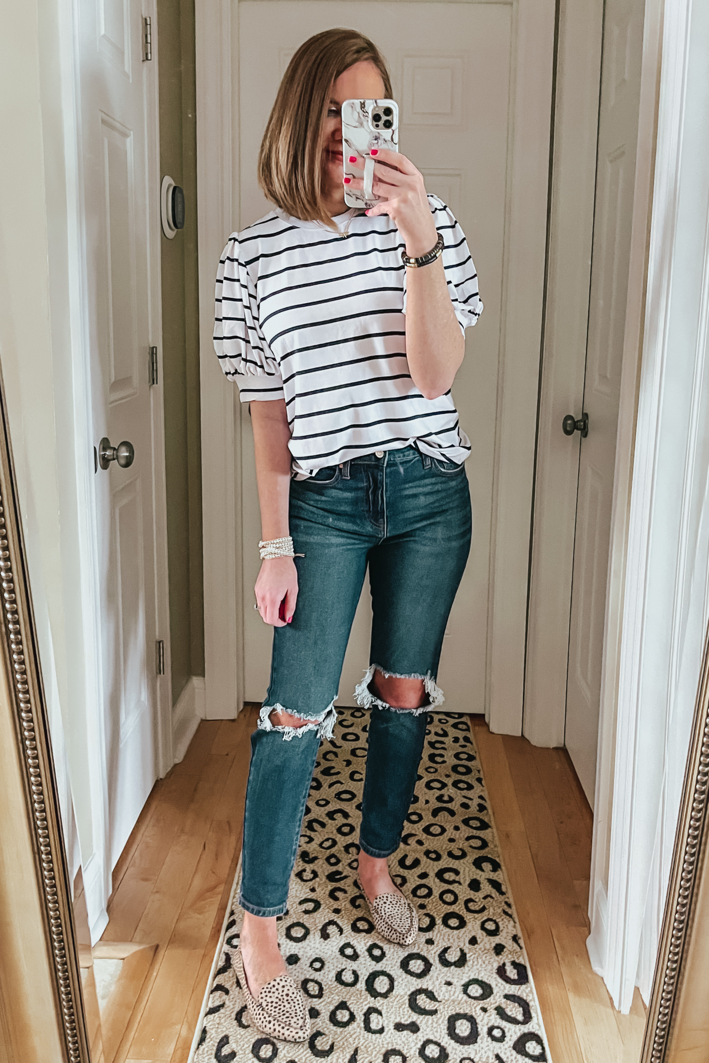 affordable spring fashion, the best Walmart jeans, puff sleeve tee